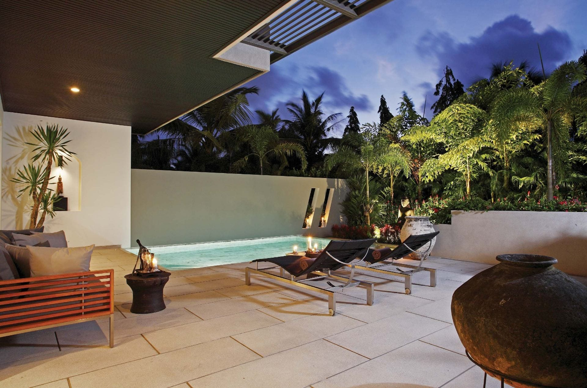 Luxury Condo with Private Pool and Gardens