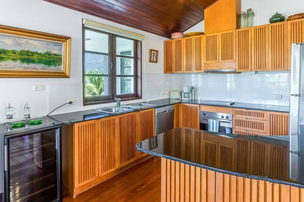BCN waterfront 4 Bed Town House with and sea view Phuket Thailand (14)